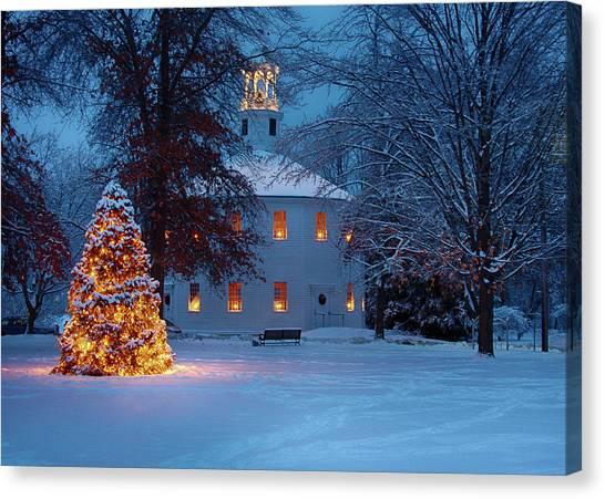 Richmond Vermont Round Church At Christmas Canvas Print