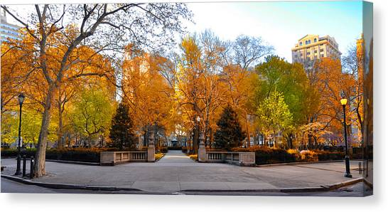 Canvas Print featuring the photograph Rittenhouse Square Philadelphia Pa by Bill Cannon
