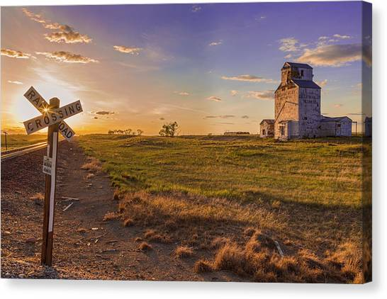 End Of The Day On The Montana Hi Line Canvas Print