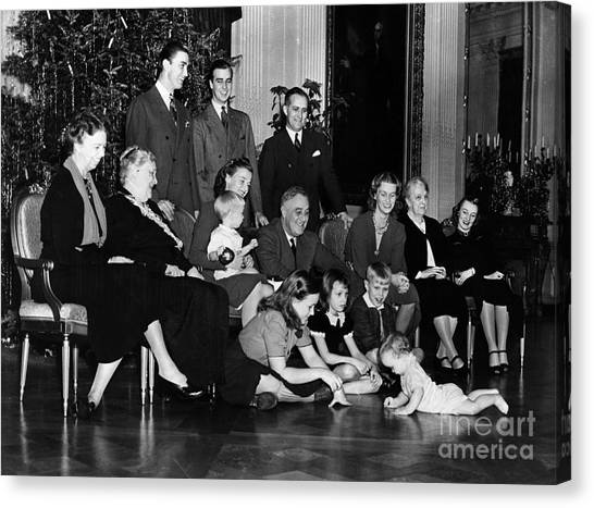 First Ladies Canvas Print - Roosevelt: Family, 1939 by Granger