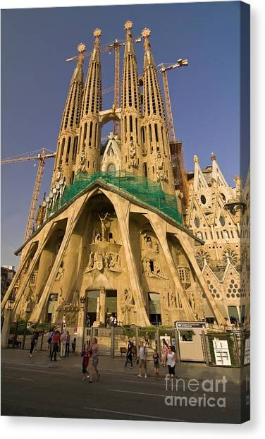Sagrada Famila In The Fading Sun. Canvas Print