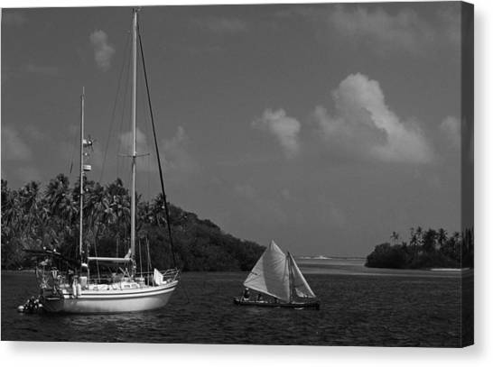 Sailing In The San Blais Islands Canvas Print