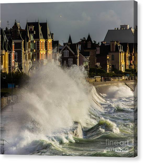 Saint-malo, Great Tide Canvas Print