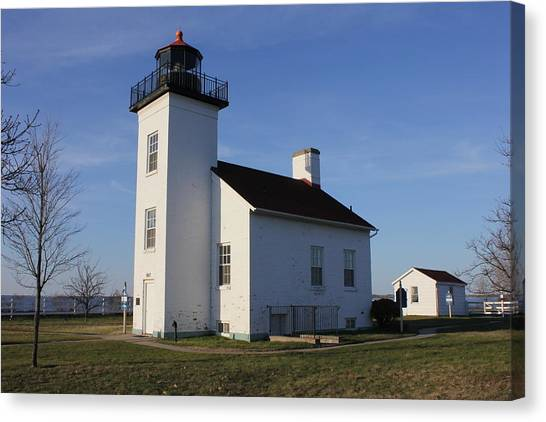 Sand Point Lighthouse In Escanaba Canvas Print
