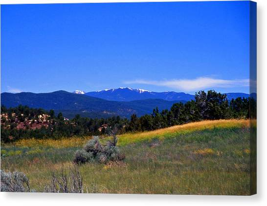 Sangre De Cristos Mountains New Mexico Canvas Print by Randy Muir