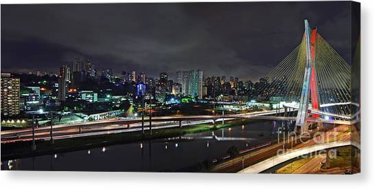 Sao Paulo Skyline - Ponte Estaiada Octavio Frias De Oliveira Wit Canvas Print