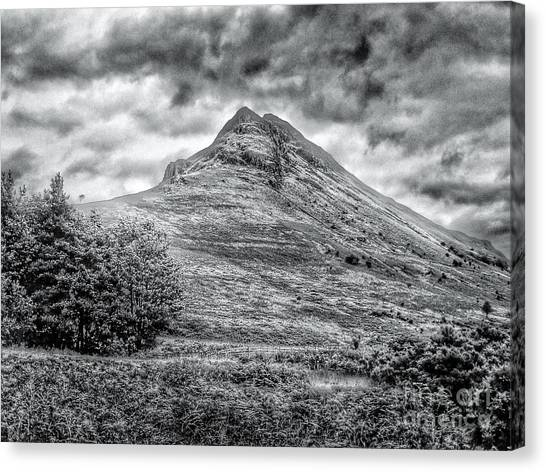 Scafell Pike In Greyscale Canvas Print