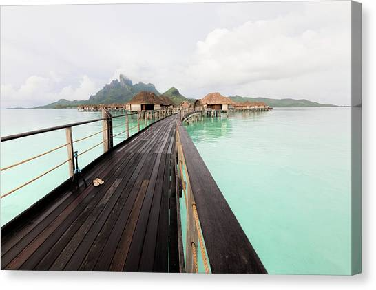 Scenic Walk To The Bungalow Canvas Print