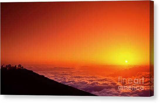 University Of Hawaii Canvas Print - Maui Hawaii Science City Sunset IIi by Jim Cazel