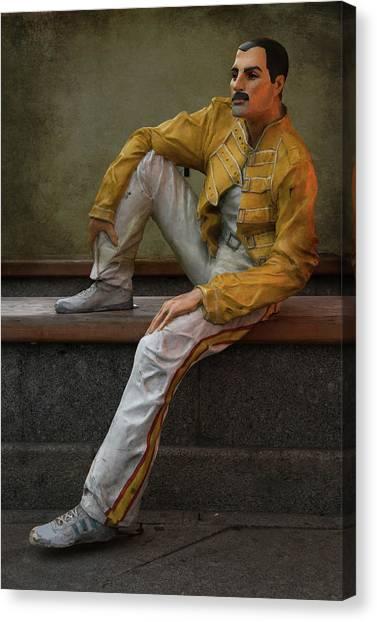 Sculptures Of Sankt Petersburg - Freddie Mercury Canvas Print