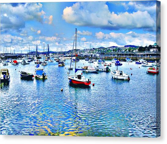 Seaside In Blur Canvas Print by Roberto Alamino