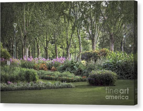 Canvas Print featuring the photograph Secret Garden by Ray Warren
