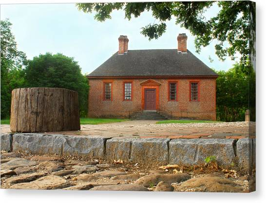 Secretary House - Williamsburg Va Canvas Print by Panos Trivoulides