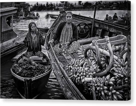 Traditional Canvas Print - Selling Harvest by Erwin Astro