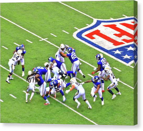 Los Angeles Chargers Canvas Print - Shane Vereen For A Short Gain by Allen Beatty
