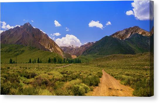 Sierra Mountains - Mammoth Lakes, California Canvas Print