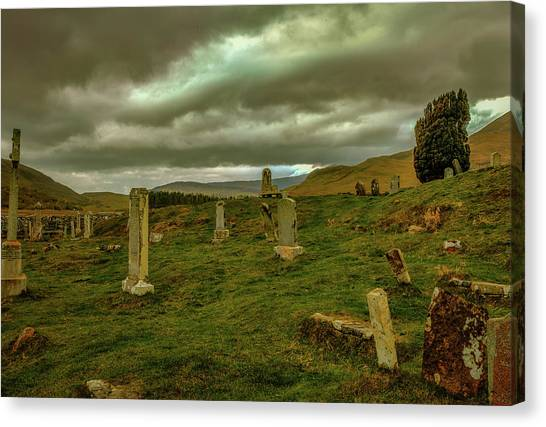 Canvas Print featuring the photograph Skies And Headstones #g9 by Leif Sohlman