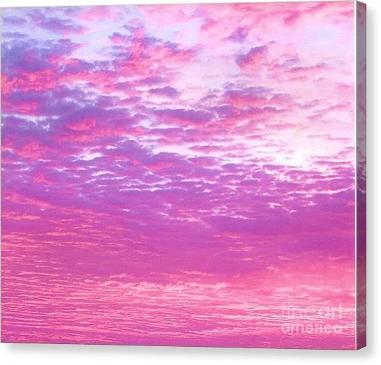 Sky 7 Canvas Print by Rod Ismay