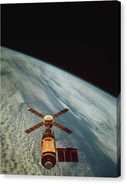 Skylab 1 Space Station In Orbit. Canvas Print by Nasa
