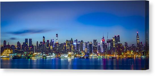 Skyline Nyc Before Sunrise Canvas Print