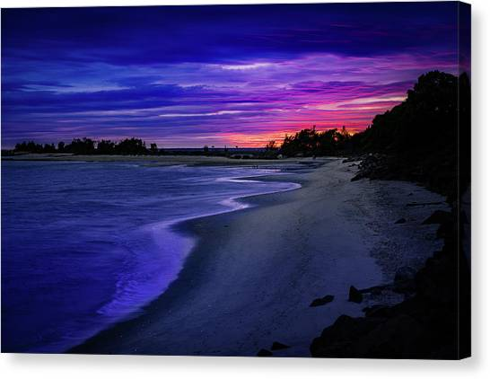 Slow Waves Erupting Clouds Canvas Print