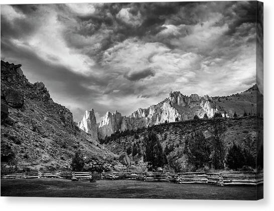 Smith Rock Bw Canvas Print