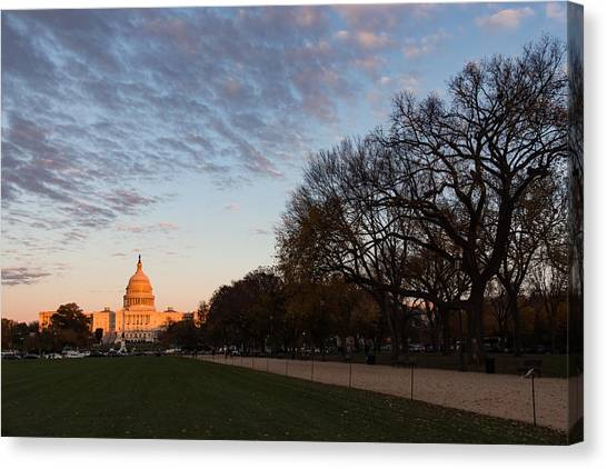 Soft Orange Glow - U S Capitol And The National Mall At Sunset Canvas Print