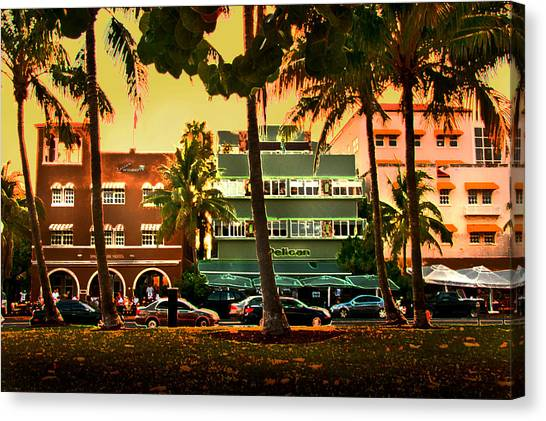 South Beach Ocean Drive Canvas Print