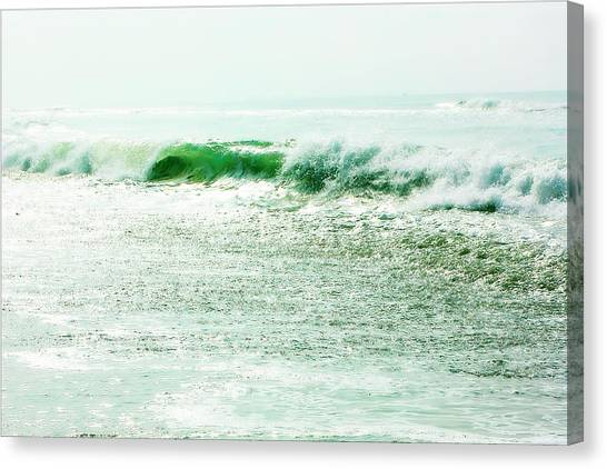 Sparkling Waves 2 Canvas Print by Alan Hausenflock