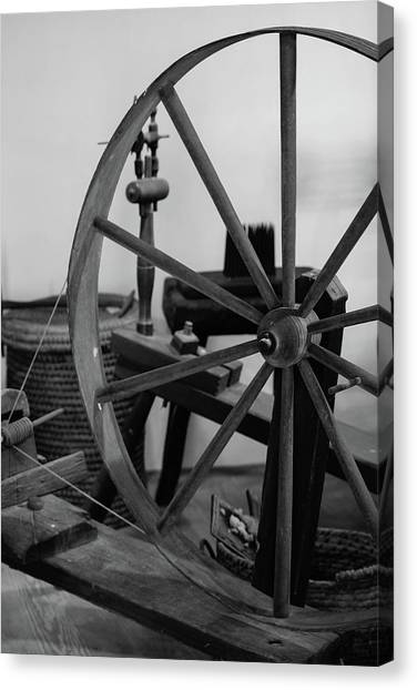 Spinning Wheel At Mount Vernon Canvas Print