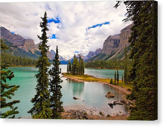 Spirit Island View Alberta Canada Canvas Print by George Oze