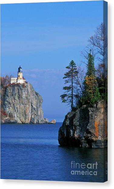 Split Rock Lighthouse Canvas Print   Split Rock Lighthouse   Fs000120 By  Daniel Dempster