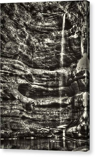 St Louis Canyon At Starved Rock State Park Canvas Print