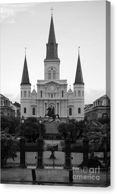 St Louis Cathedral On Jackson Square In The French Quarter New Orleans Black And White Canvas Print