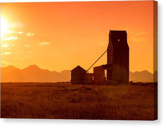 Prairie Sunrises Canvas Print - Stanford Sunset by Todd Klassy