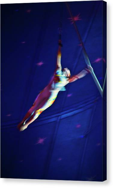 Canvas Print - Star Swinger by Ron Morecraft