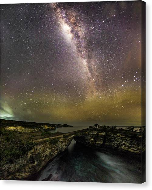 Canvas Print featuring the photograph stary night in Broken beach by Pradeep Raja Prints