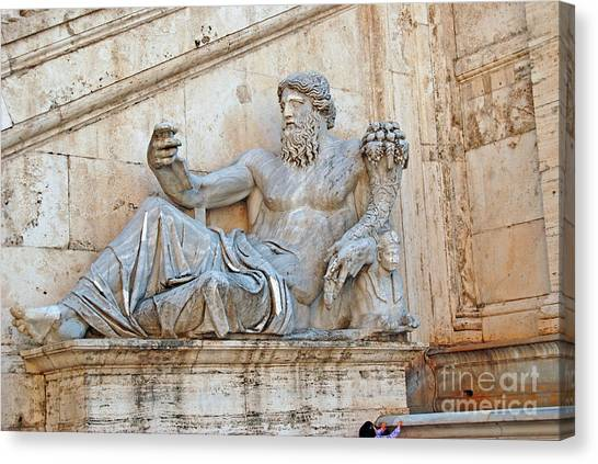 Statue Capitoline Hill Of Rome Italy Canvas Print