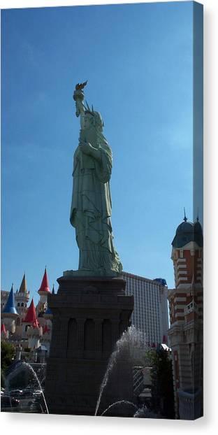 Statue Of Liberty Las Vegas Canvas Print by Alan Espasandin
