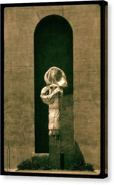 Statues Individual #2 Canvas Print