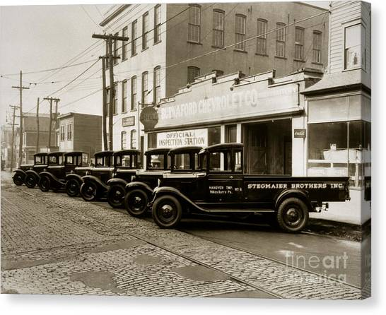 Stegmaier Brothers Inc Beer Trucks At 693 Hazle Ave Wilkes Barre Pa 1930s Canvas Print