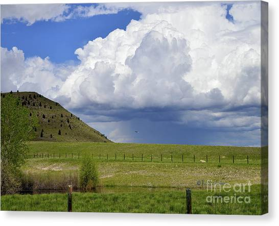 Storm Coming In Canvas Print