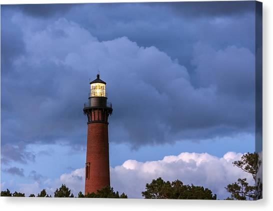 Storm Looms Near Currituck Beach Lighthouse Canvas Print