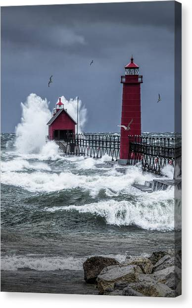 Storm On Lake Michigan By The Grand Haven Lighthouse With Flying Gulls Canvas Print