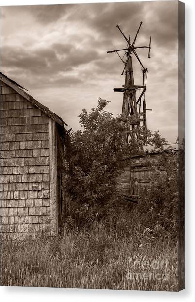Stormclouds Over Abandoned Farm Canvas Print by Royce Howland