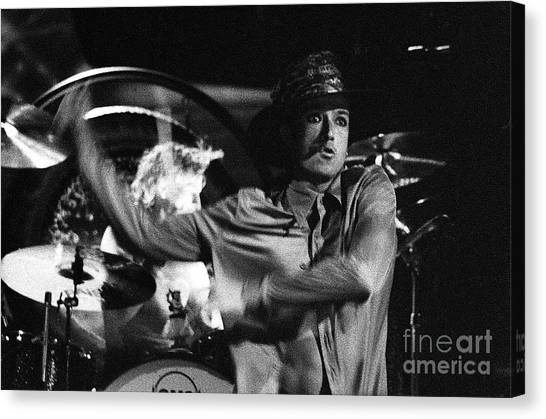 Stone Temple Pilots Canvas Print - Stp-2000-scott-0911 by Timothy Bischoff