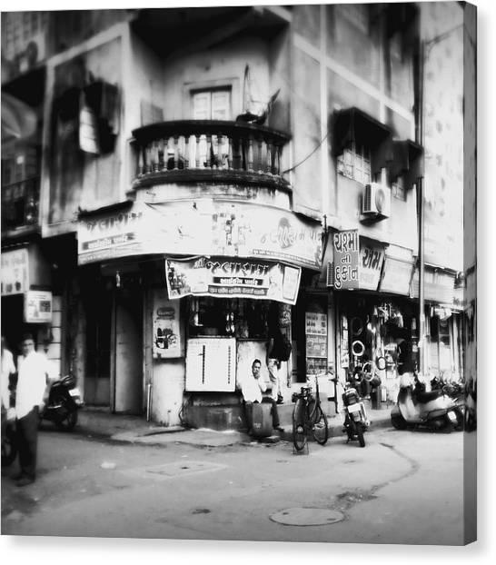 Canvas Print - Streetshots_surat by Priyanka Dave