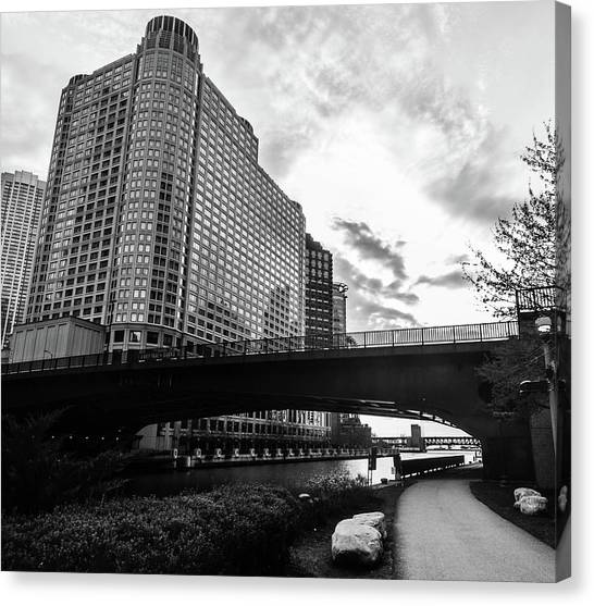 Strolling In The Chi Canvas Print