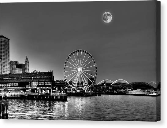 Summer Eve On The Seattle Waterfront Canvas Print