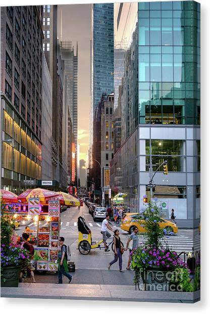 Summer Evening, New York City  -17705-17711 Canvas Print